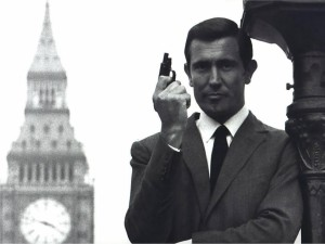 George Lazenby poses as James Bond